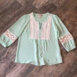 Love 21 mint green lace top